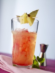 'Cuba Kiss' (cockgtail) with pineapple skewer