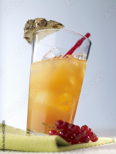 'Summernight' (cocktail with vodka and fruit juice)