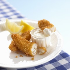 Breaded fish fillets with mayonnaise