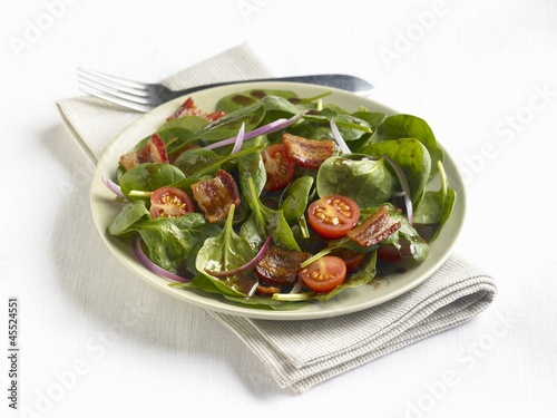 Spinach Salad with Bacon and Cherry Tomatoes
