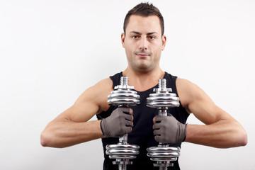 Sportler beim Muskel Aufbau