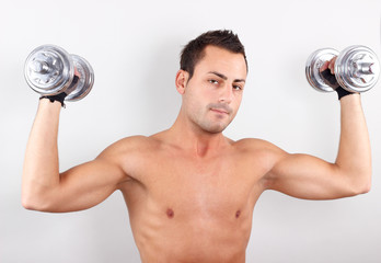 Sportlich mit guten Muskeln