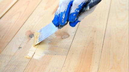 Spackling hardwood floors