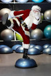 Detaily fotografie lively Santa Claus fitness training