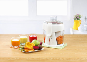 Electric jucie blender machine with pulp separator