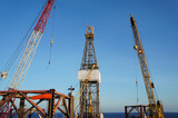 Jack Up Drilling Rig with working cranes
