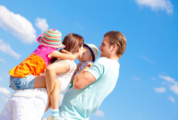 familie blauer himmel