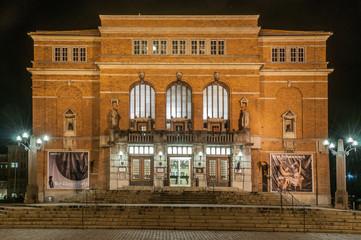 Opernhaus Kiel - abends