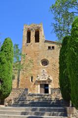 Vista de la iglesia de Pals. Girona