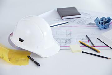Grundriss, Helm und Stifte