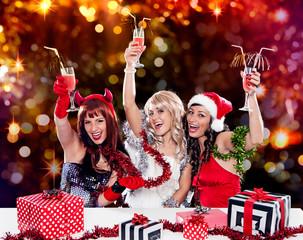 the unlike trio 03/Teufel, Engel und Weihnachtsmann feiern gemei