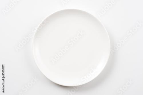 白色の皿のクローズアップ - 45620187