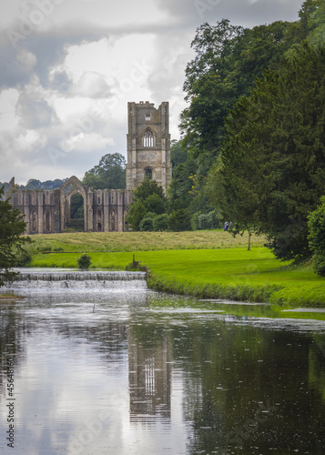 canvas print picture Fountains Abbey