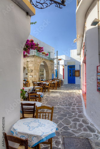 Poster Beautiful alley in Plaka village, Milos island, Cyclades, Greece