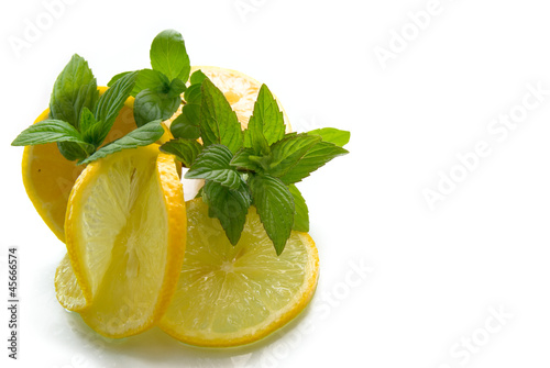 Juicy Tropical Lemon With Peppermint