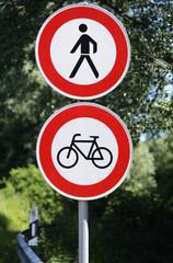 Durchgangsverbot für Fußgänger und Fahrradfahrer