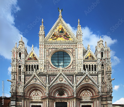 Facade of Siena dome