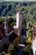 Franziskanerkirche und Burgtor