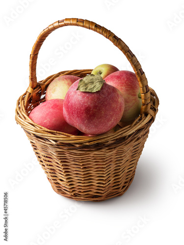 wicker of apples