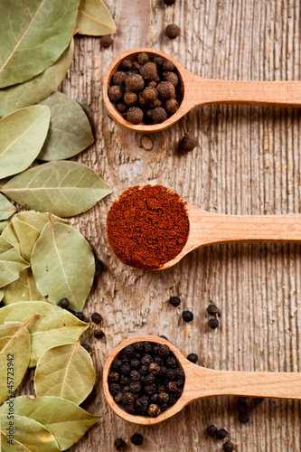 three kinds of pepper and bay leaves