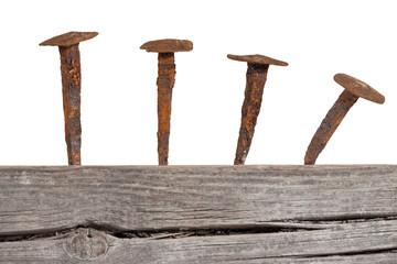 Alte Holz Wand mit Eisen Nägel