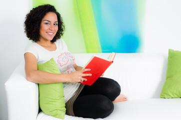 in der freizeit ein buch lesen