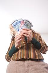 down array of bills