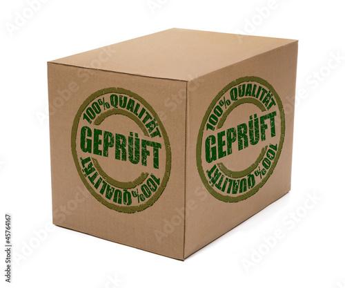 Paket mit Prüfstempel