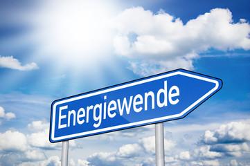 Blaues Schild mit Energiewende und Sonne