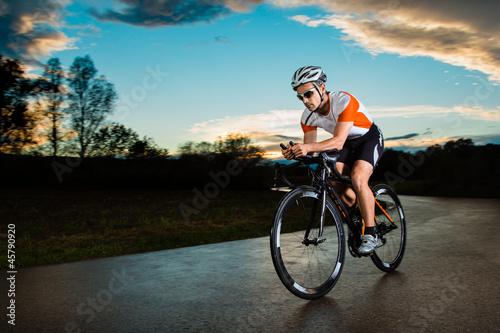 Poster Triathlet auf dem Fahrrad