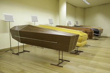 Exposure of coffins