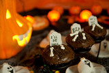 Halloween cupcakes - ghosts and tombstone