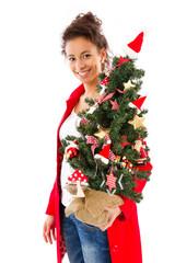 Frau isoliert mit Tannenbaum