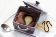cocotte de moelleux au chocolat poire fond blanc 2