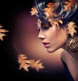 Fototapety Autumn Woman. Fashion Girl Makeup. Fall