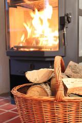 Feuer und Kaminholz