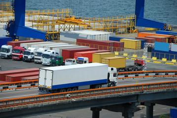 white truck transport container