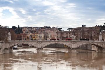 Roma, ponte sul Tevere
