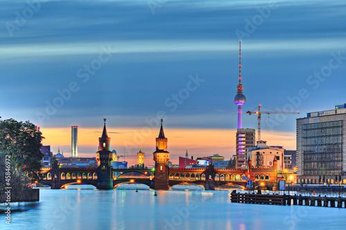 Fototapeten,berlin,fernsehturm,wahrzeichen,hauptstadt