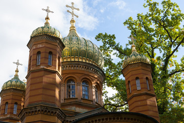 Die russisch-orthodoxe Kapelle auf dem alten historischen Friedh