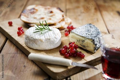 Käse Beeren und Brot