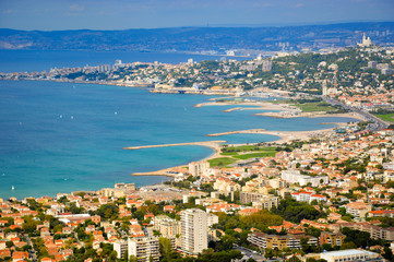 Carte postale - La Bonne Mère veillant sur Marseille