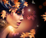 Fototapety Autumn Woman Fashion Portrait. Fall