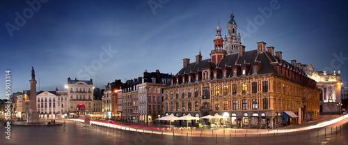 Papiers peints Europe du Nord Grand place de Lille en début de soirée - France