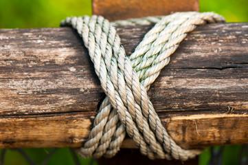 Kreuz Knoten Seil
