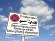 Schild Privatparkplatz