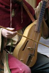 Gaukler mit Geige