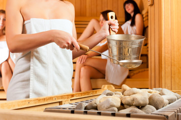 sauna wellness - four women in Spa