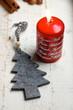 Tannenbaum und rote Kerze