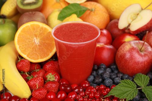 Saft aus roten Früchten